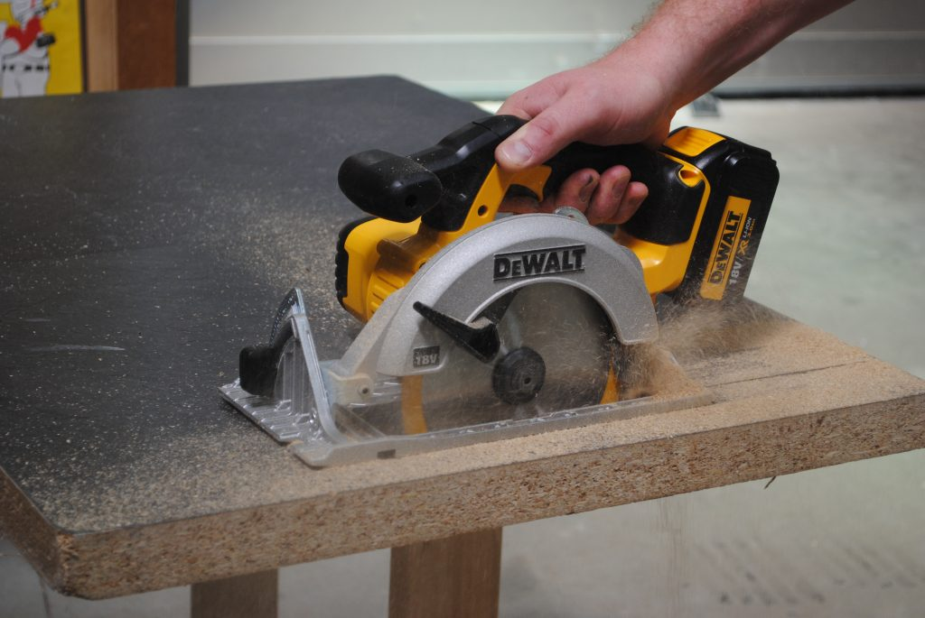 woodworking cordless saw