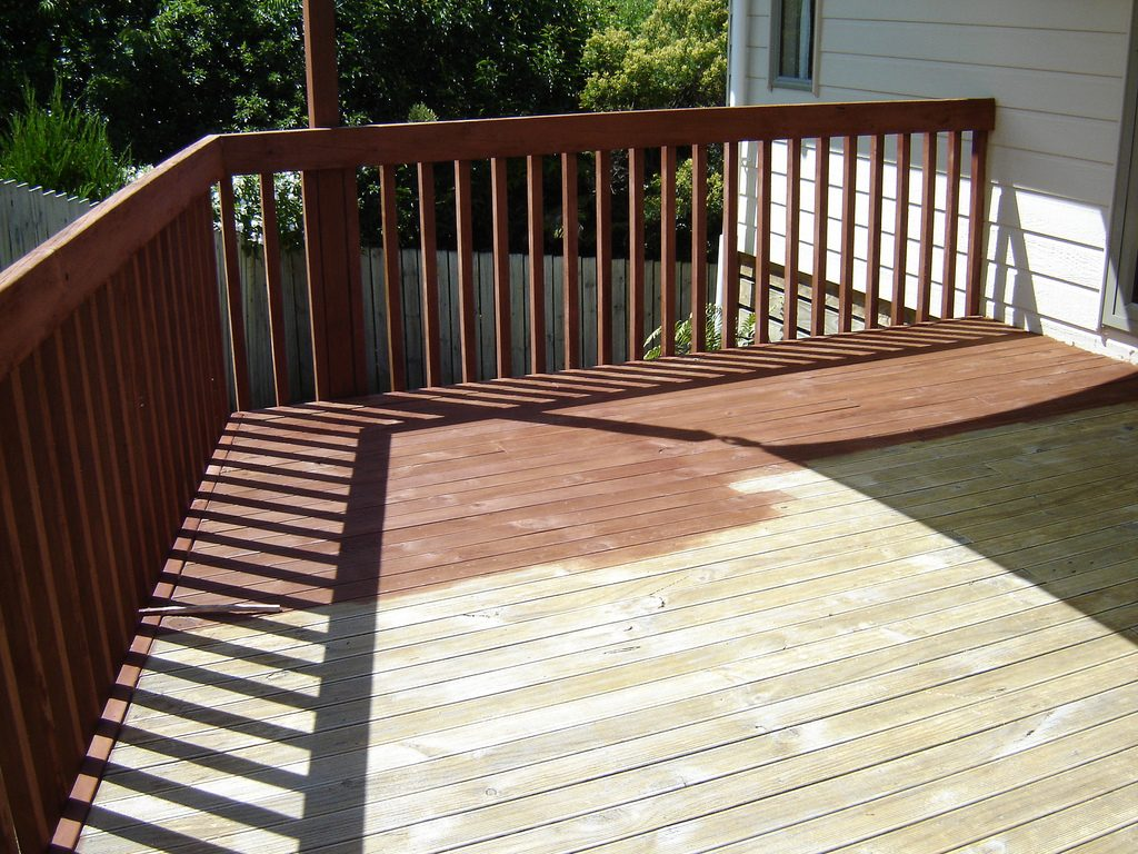 staining wood decking
